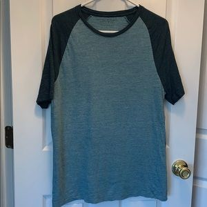 EUC Bundle of 2 baseball t shirts, sz L